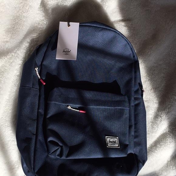 e26d1874827 NWT Navy Herschel Classic Backpack